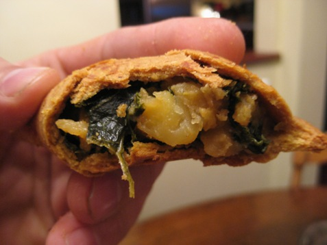042 Kale Potato curry empenada PD