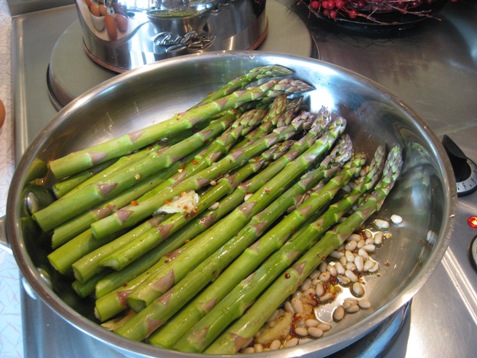 015asparagus with pine nuts