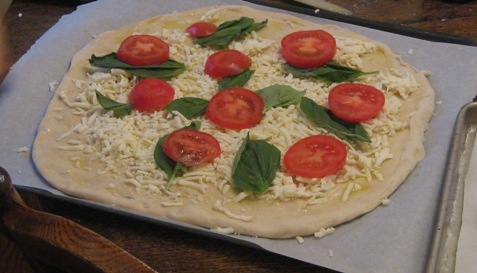 021Tomato and basil pizza PD