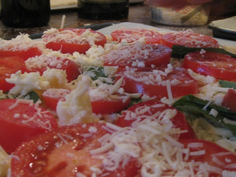 026Meatless Monday Tomato Basil and cheese pizza PD