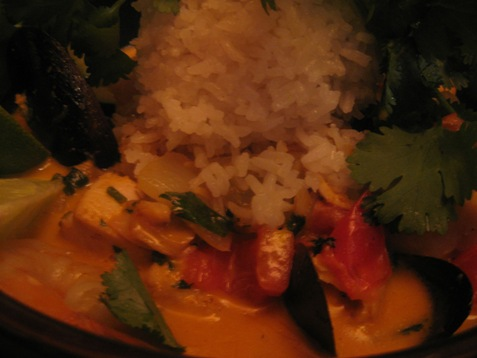 193Red Curry with seafood and white rice PD