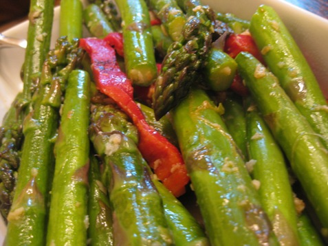 015meatless monday asparagus with roasted red pepper and garlic