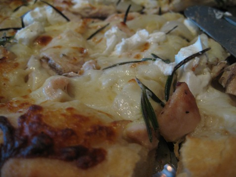 030Goat cheese chicken rosemary pizza at Luxe