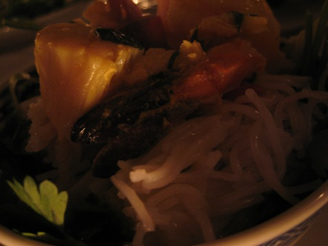 069vermicelli with coconut seafood