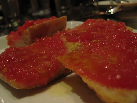 055bread with tomato and olive oil martinez